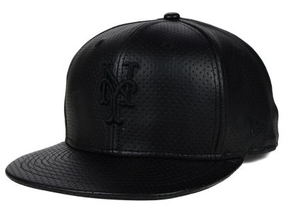 New York Mets New Era MLB Black on Black Perforated 9FIFTY Snapback Cap
