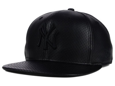 New York Yankees New Era MLB Black on Black Perforated 9FIFTY Snapback Cap