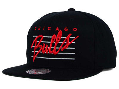 Chicago Bulls Mitchell and Ness NBA Cursive Retro Snapback Cap