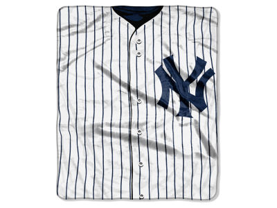 New York Yankees Raschel 50x60 Strike Throw