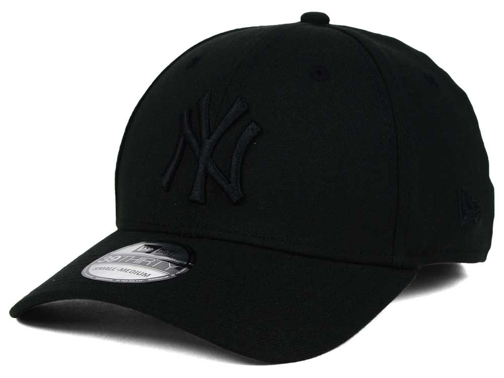 New York Yankees New Era MLB Black on Black Classic 39THIRTY Cap f4c7e891e0e