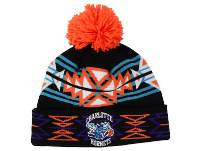 Charlotte Hornets Mitchell and Ness NBA Black Geotech Cuffed Pom Knit