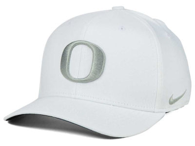 Oregon Ducks Nike NCAA Classic Swoosh Cap