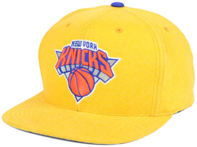 New York Knicks Mitchell and Ness NBA Color Crease Snapback Cap
