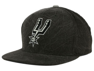 San Antonio Spurs Mitchell and Ness NBA Color Crease Snapback Cap