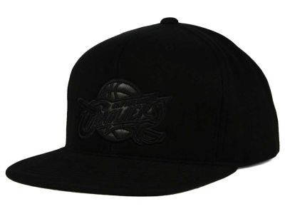 Cleveland Cavaliers Mitchell and Ness NBA Blackout Snapback Cap