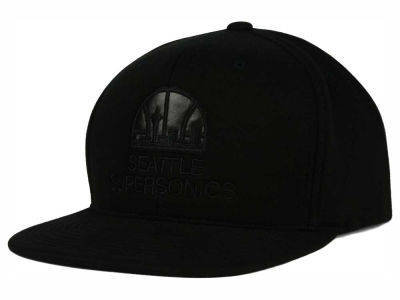 Seattle SuperSonics Mitchell and Ness NBA Blackout Snapback Cap