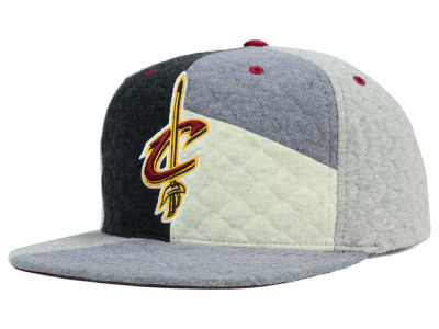 Cleveland Cavaliers Mitchell and Ness NBA Fleece Slasher Snapback Cap