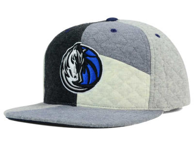 Dallas Mavericks Mitchell and Ness NBA Fleece Slasher Snapback Cap