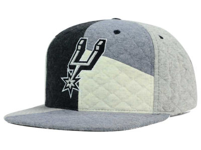 San Antonio Spurs Mitchell and Ness NBA Fleece Slasher Snapback Cap