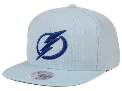 finest selection c0e4c 2c7f1 Tampa Bay Lightning Reebok NHL Wool Solid Snapback Cap