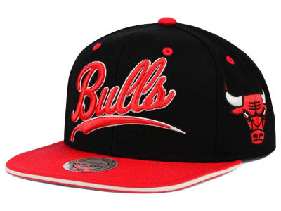 Chicago Bulls Mitchell & Ness NBA Billboard Script Snapback Cap