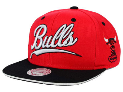 Chicago Bulls Mitchell and Ness NBA Billboard Script Snapback Cap