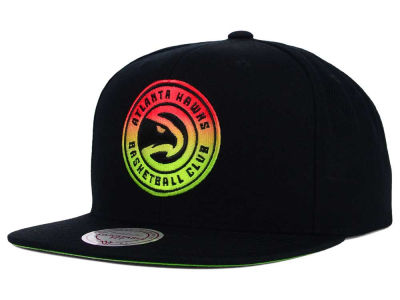 Atlanta Hawks Mitchell and Ness NBA Gradient Lines Snapback Cap
