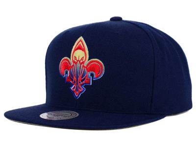 New Orleans Pelicans Mitchell and Ness NBA Gradient Lines Snapback Cap
