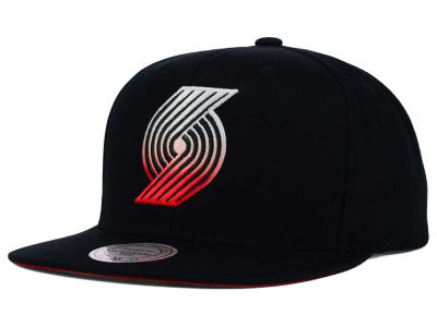 Portland Trail Blazers Mitchell and Ness NBA Gradient Lines Snapback Cap