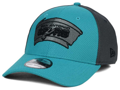 San Antonio Spurs New Era NBA HWC Graphite Team Color 39THIRTY Cap
