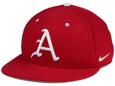 Arkansas Razorbacks Nike NCAA True Vapor Fitted Cap