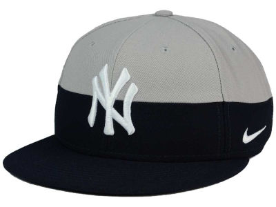 New York Yankees Nike MLB Color True Snapback Cap
