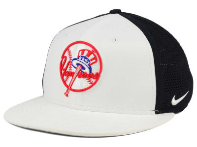 New York Yankees Nike MLB True Vapor Swoosh Flex Cap
