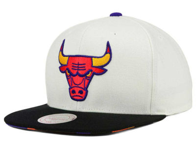 Chicago Bulls Mitchell and Ness NBA 3X-Charm Snapback Cap