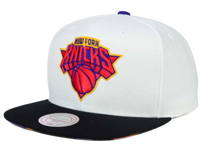 New York Knicks Mitchell and Ness NBA 3X-Charm Snapback Cap