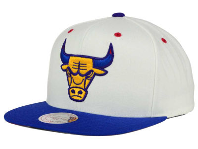 Chicago Bulls Mitchell and Ness NBA Sweater 2 Tone Snapback Cap