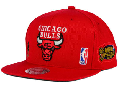 Chicago Bulls Mitchell and Ness NBA Bulls 1996 Jersey Hook Snapback Cap