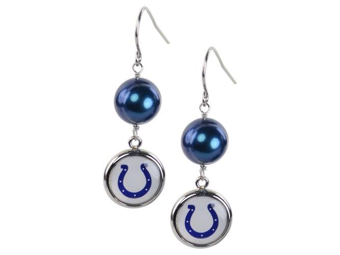 Earrings Pearl With Dangle Charm
