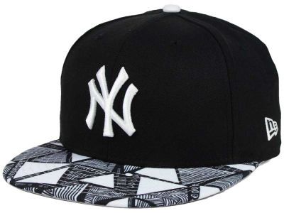 New York Yankees New Era MLB Tribalistic 9FIFTY Snapback Cap