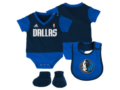 Dallas Mavericks NBA Newborn Creeper Bib & Bootie Set