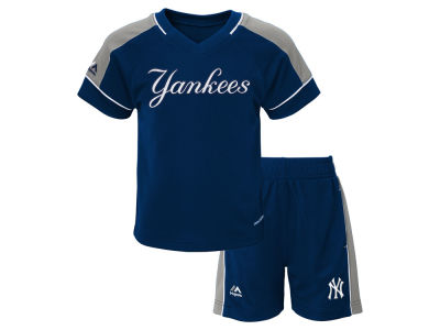 New York Yankees Majestic MLB Toddler Baseball Classic Short Set