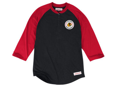 Chicago Blackhawks Mitchell and Ness NHL Men's Unbeaten Henley 3/4 Sleeve Shirt