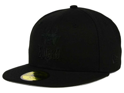 Milwaukee Bucks New Era NBA HWC Black on Black 59FIFTY Cap