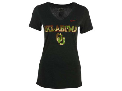 Oklahoma Sooners Nike NCAA Women's Camo Hook Triblend Mid V-Neck T-Shirt