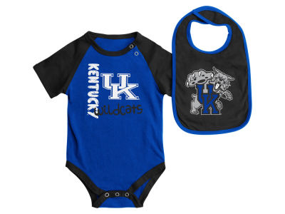 Kentucky Wildcats NCAA Newborn Rookie Onesie & Bib Set