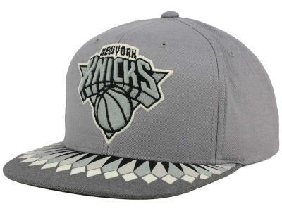 New York Knicks Mitchell and Ness NBA Variant Snapback Cap