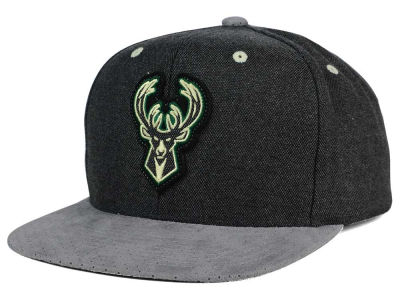 Milwaukee Bucks Mitchell & Ness NBA Cation Perforated Suede Snapback Cap