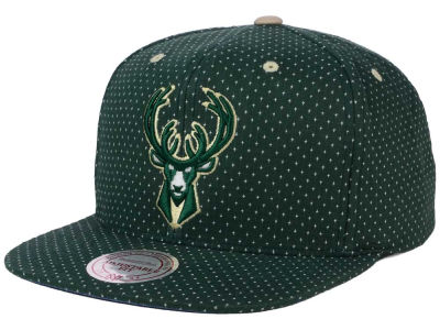 Milwaukee Bucks Mitchell and Ness NBA Dotted Cotton Snapback Cap