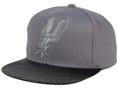 San Antonio Spurs Mitchell and Ness NBA City Undervisor Snapback Cap