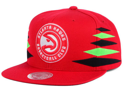 Atlanta Hawks Mitchell and Ness NBA Solid Diamond Snapback Cap