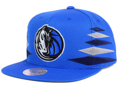 Dallas Mavericks Mitchell and Ness NBA Solid Diamond Snapback Cap