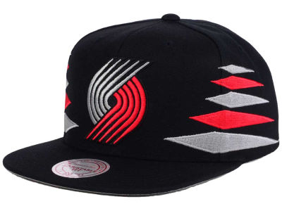 Portland Trail Blazers Mitchell & Ness NBA Solid Diamond Snapback Cap