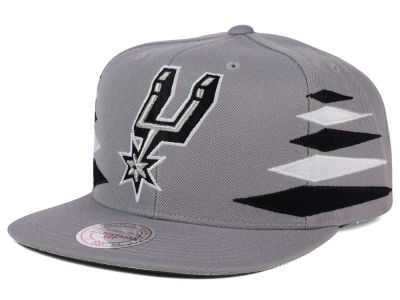 San Antonio Spurs Mitchell & Ness NBA Solid Diamond Snapback Cap