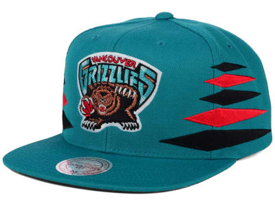 Vancouver Grizzlies Mitchell and Ness NBA Solid Diamond Snapback Cap