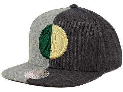 Milwaukee Bucks Mitchell and Ness NBA Split Heather Snapback Cap