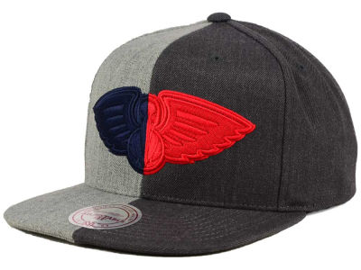 New Orleans Pelicans Mitchell and Ness NBA Split Heather Snapback Cap