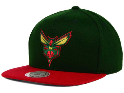 Charlotte Hornets Mitchell and Ness NBA Holiday Collection Snapback Hat