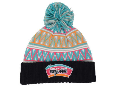 San Antonio Spurs Mitchell & Ness NBA Tribal HI 5 Pom Beanie