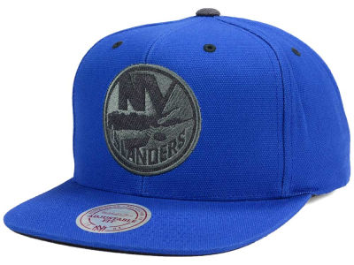 New York Islanders Mitchell and Ness NHL Grey Tonal Logo Snapback Cap